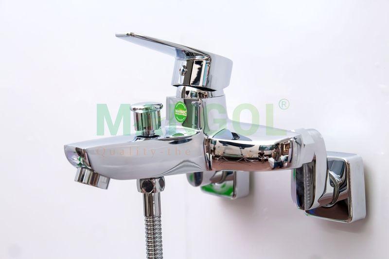 Bộ sen tắm nóng lạnh Mangol Mg205 - Hình ảnh khi đã lắp đặt -4
